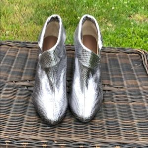 Shoes - Silver Slip On Boot